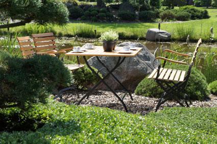 Gartenmöbel aus Holz und Metall erfüllen höchste